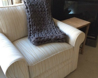 Arm Knit Chunky Blanket