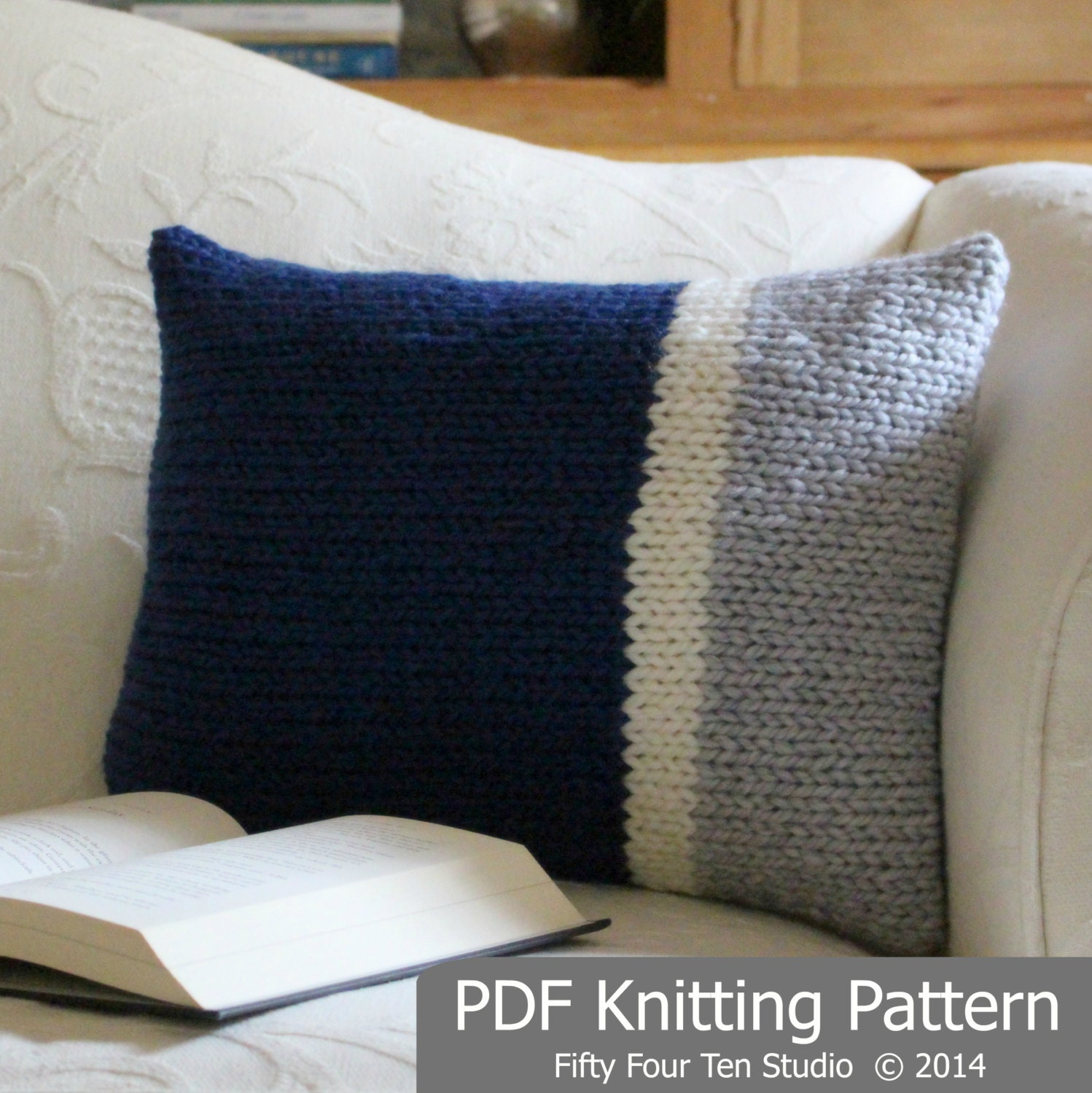Knitting Pillow Pattern : Knitting pattern pillow cushion color block design