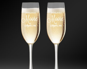 Custom Wedding Champagne Glasses, Personalized Toasting Flutes, Glasses For Bride and Groom, Engraved Champagne Flutes,