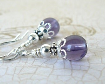Lavender Earrings, Pale Purple and Silver Glass Bead Dangles, Vintage Inspired Jewelry, Lavender Bridesmaids Earrings, Wedding Jewelry