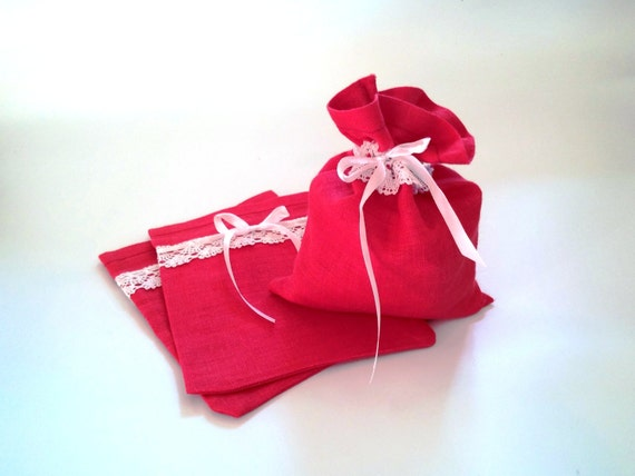 Red Wedding Gift Bags : Red Linen Gift Bags set of 5 - Christmas Wedding Favor Bags with White ...