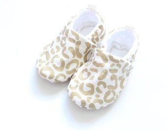 Leopard metallic gold baby shoes, Soft Sole Baby Shoes, Fabric Baby Booties