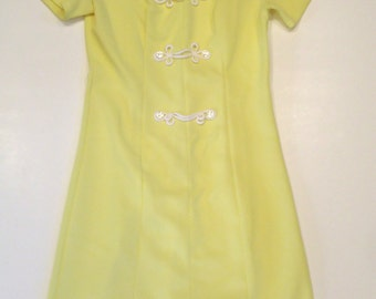 1950s Dress Yellow size S / M Textured Material with Stretch