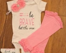 Onesie outfit, be brave, be brave little one, onesie set, arrow shirt, baby outfit, brave onesie, baby shower, arrow onesie, arrow, pink