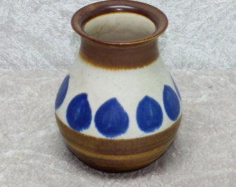 Lovely vintage 70s stoneware Vase. Brown and white with blue drops. Made by Söholm, Denmark Scandinavian.