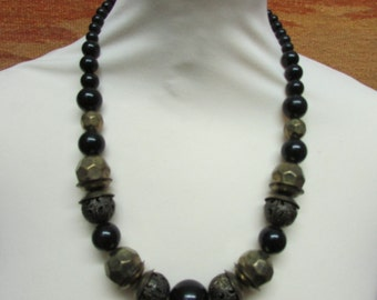 1980s black & copper colour textured ethnic-style bead necklace