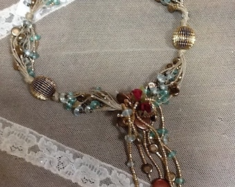 Necklace string, natural pearls, glass beads and metal boule