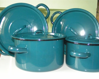 Set of four blue Dutch oven