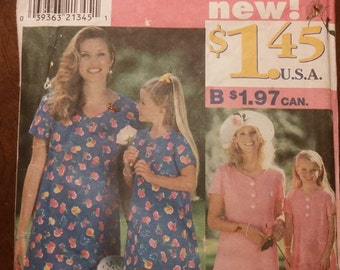 Simplicity 0630 Mommy & Me Dress Pattern.  Sizes 12-20 and 3-8