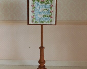 1:12 DOLLHOUSE Palo long with square screen. Home sweet home cross stitch.