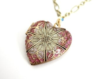 Heart/ Locket/ Easter/ Jewelry/ Gift/ For/ Mother/ Photo Locket/ Women's Necklace/ Locket Necklace/ Gift/ For/ Her/ Filigree Heart/ Resin Lo