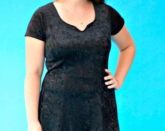 Vintage 1980s Retro Goth Crushed Velvet Styleworks Stretch Pull On Dress