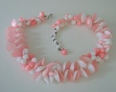 Unique Vintage 60s Hong Kong Choker Bead Necklace / Spring / Summer / Pink / White / Simulated Shells / Jewelry / Jewellery