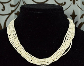 Beachy 1980s Ivory Beaded Necklace