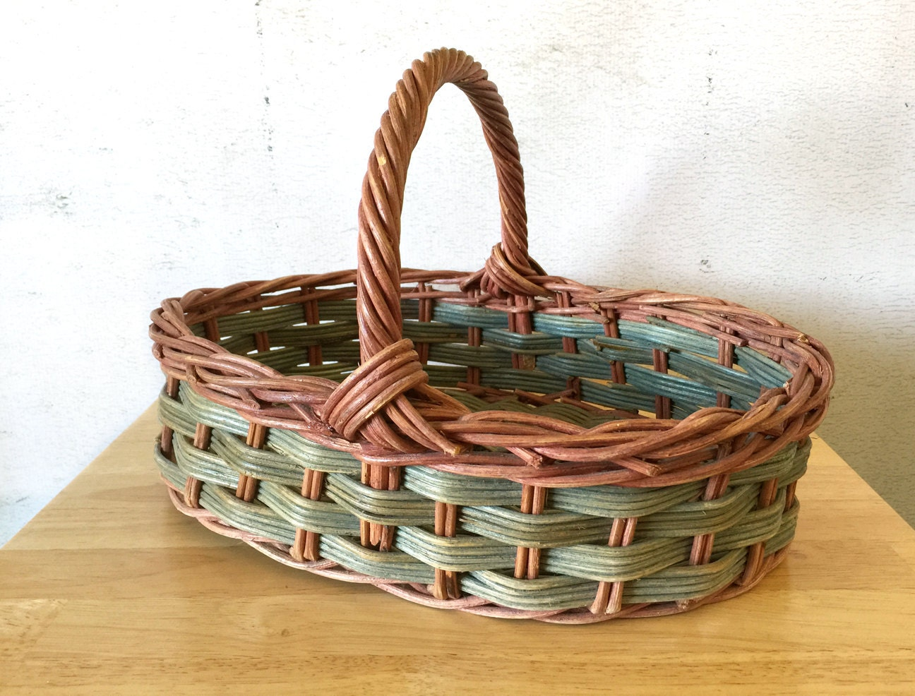 vintage woven wicker basket with handle green and red stain. Black Bedroom Furniture Sets. Home Design Ideas