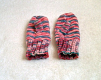 Warm Knitted Mittens in Sweet Pea