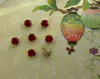 6 Ruby Red Vintage Swarovski 2-Loop Connector Drop Gold Plated Prong-Set Charms