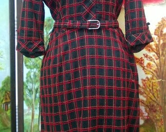 Vintage 1950's Fall Nubby Plaid Dress Wildman's label with belt Novelty buttons