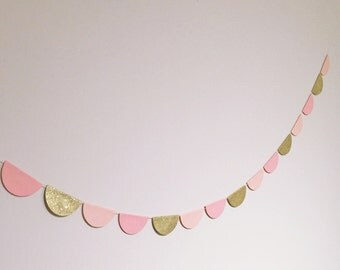 "2.5"" scallop garland (half circle) choose any colours - 1 meter"