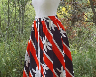 VINTAGE - Long skirt Miss Helen, vintage skirt of 80s, high-waisted, narrow and ample,  printed cotton stripes and foliages