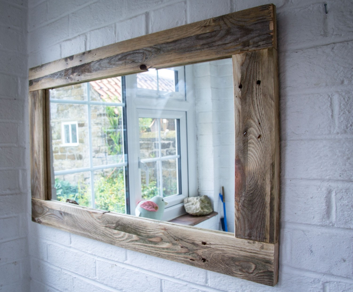 rustic mirror made from reclaimed pallet wood. Black Bedroom Furniture Sets. Home Design Ideas