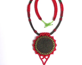 Red and green beaded pendant   p010