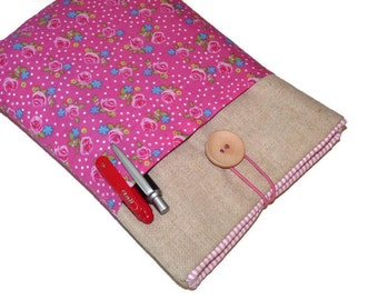 Padded Kindle Fire Cover / Kindle Fire Sleeve/ Galaxy Tab 7 cover / Google's Nexus 7 Sleeve / Nook HD 7 - Linen Case, Pink and Roses Pockets