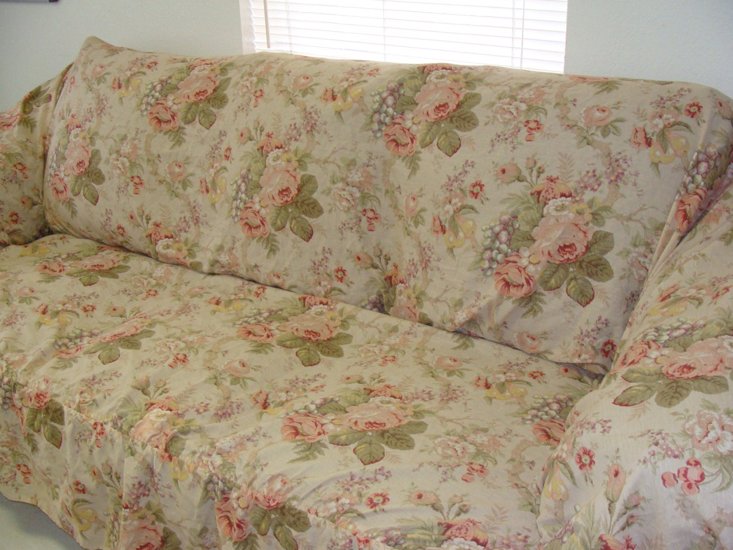 Shabby Chic Sofa Cover with Pink Cabbage Roses