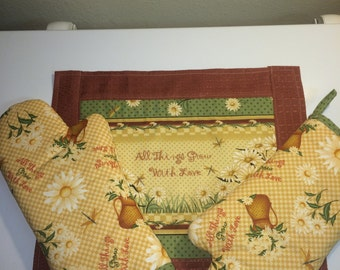 All Things Grow With Love Placemats and Oven Mitts