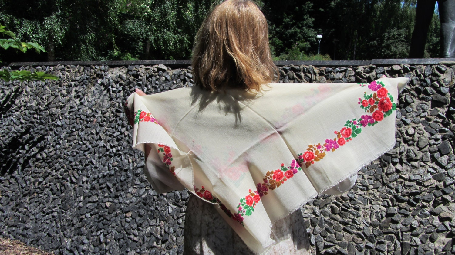 Fancy Wool Floral White Shawl, Ukrainian White Shawl, Russian Floral Scarf, Flor
