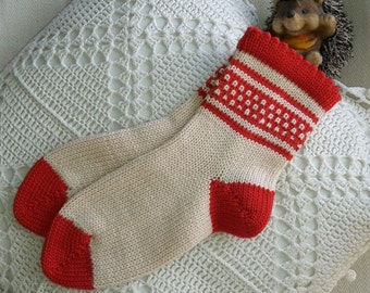 Knitted wool socks for kids