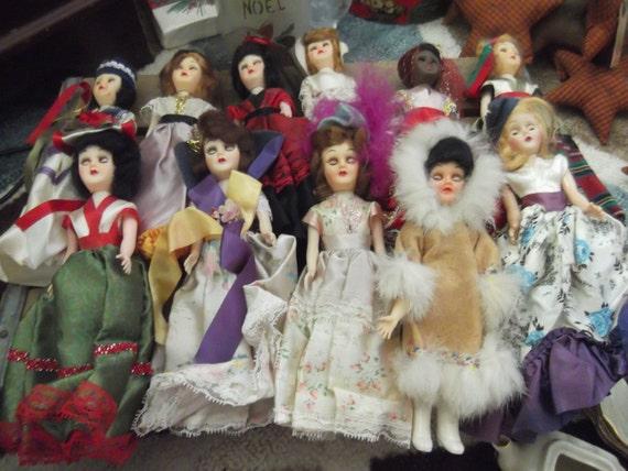 Vintage Dolls of The World Vintage Dolls/around The World