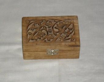 Handmade & Handcrafted box, Antique Rustic Primitive Home Décor Keepsake, vintage box - rustic box - wooden box - primitive box