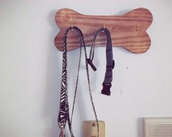 Wooden dog leash holder, 3 hooks