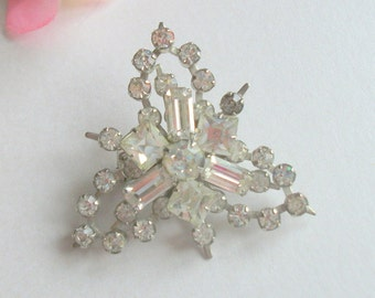 Gorgeous Vintage Rhinestone Brooch, Crystal Brooch, Baquette Rhinestones, Vintage Wedding, Bridal,