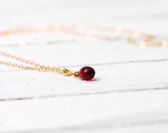 Delicate vermeil necklace with a lovely garnet, garnet necklace, gemstone, garnet jewelry, gold necklace, gold plated sterling silver
