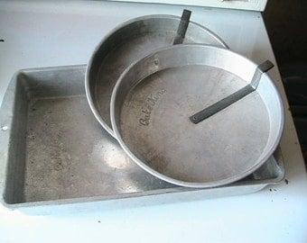 Bake King Cake Pans Slider Round Bakeware Rectangle Vintage Baking Pan Retro Made in the USA