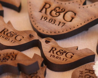 Personalised Wooden Walnut Mr & Mrs Love Heart Doves Wedding Table Decoration Favour