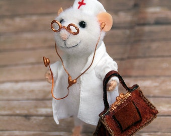 "needle felt mouse doctor with stethoscope and doctoral coffer 3,8"",  physician, felt toy, felted mouse, eco toy, gift for doctor"