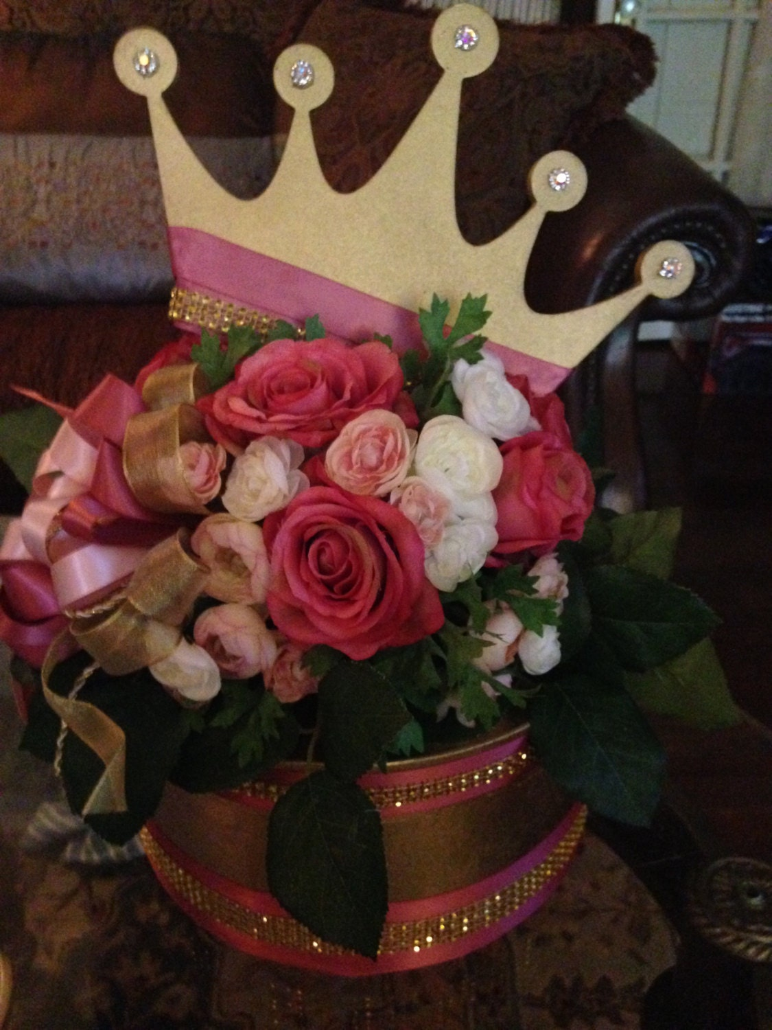 Crown on flower top box