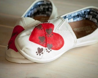 Hand Painted Paw Print On My Heart Women's Toms