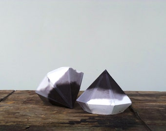 Set of 2: Paperweight, Concrete Diamond, Paperweights, Geometric Sculpture, Jewelry Stand, Modern Beton Diamant, Diamond, Geometric diamond