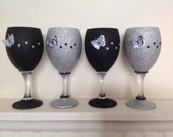 Set of two - 3D butterfly glitter wine glasses