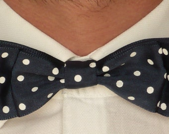 Papillon for elegant man in a blue with white polka dots