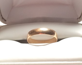 Tw 14k gold male wedding ring / band