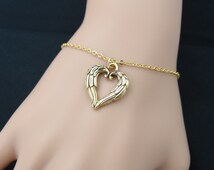 angel wings heart bracelet, gold heart wing charm, bridesmaid gift, mothers day gift, mother daughter bracelet, adjustable bracelet, wing