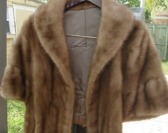 20% OFF Vintage Genuine Fur jacket Excellent condition and Free Shipping US only!