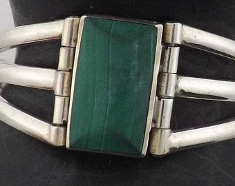 950 Taxco Mexico Silver Green Stone Bracelet Signed TJ-88 *