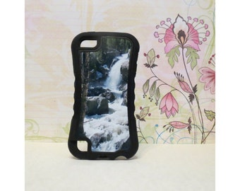 Waterfall - Rubber iPod Touch 5 (5th gen) Case