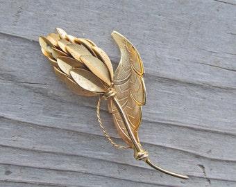 Vintage Goldtone Flower Brooch, Antique Gold Flower Brooch, Gold Costume Jewelry